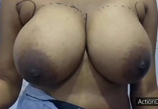 Desi Girl Big Boobs show