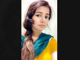 Pak Pop Singer Rabi Pirzada Nude 6 Clips Part 5