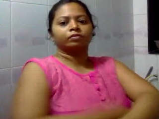Desi Bhabhi Nude In Bathroom