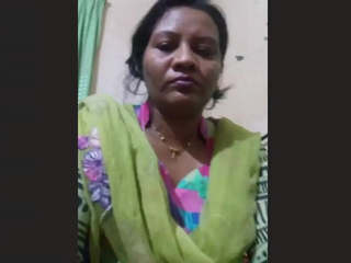 Bengali Bhabhi Pics and Video Call Part 1