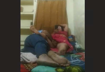 Desi Couple Romance Husband Rubbing Wife Pussy
