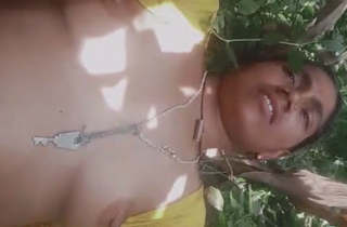 Mature bhabhi fucking in jungle with lover