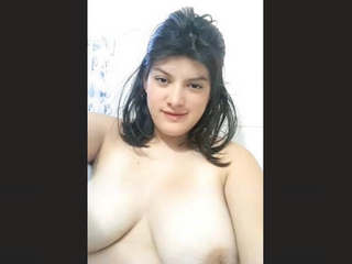 Sexy Girl Record Nude Selfie