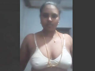 Horny bhabhi boobs and pussy show