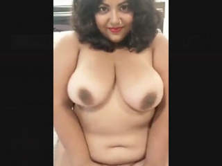 Chubby Sriankan Aunt Nude Show